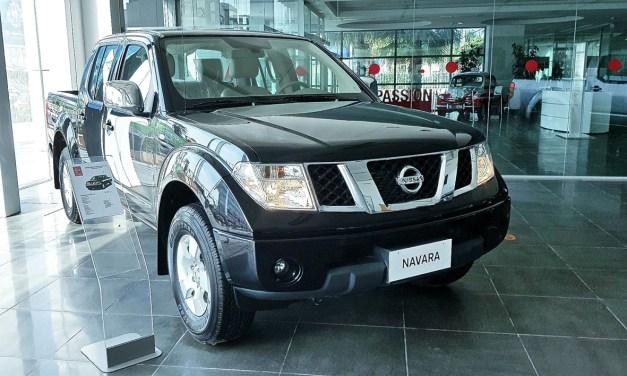 Le Nissan Navara  double cabine disponible à ARTES