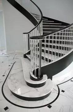 escalier classique blanc et noir