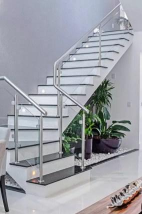 escalier classique noir et blanc