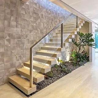 Marche d'escalier suspendues flottant verre métal
