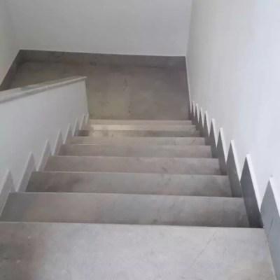 escalier classique palier Gris de Thala