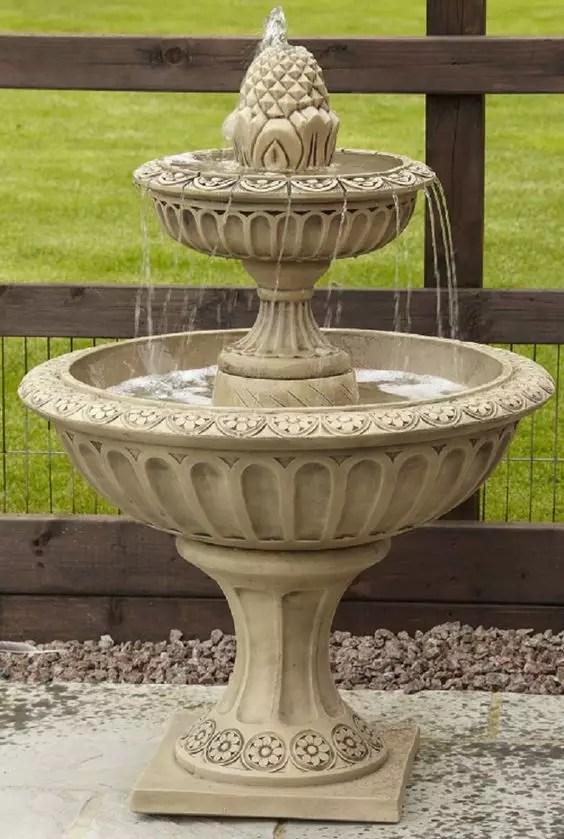 sculpture de fontaine classqiue de jardin