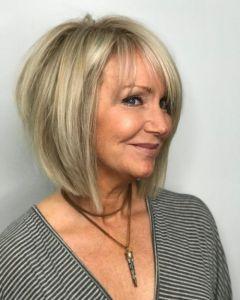 Tunsori par scurt pentru femei peste 50 ani 2