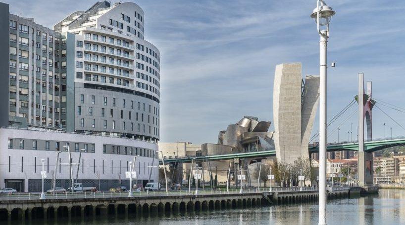 El edificio de Vincci Hoteles en Bilbao