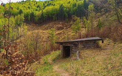 Skryté Partizánske zemľanky nad Valčianskou dolinou