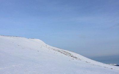 Ensom tur på fjellski over Norefjell