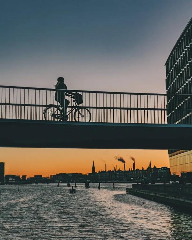 Antallet af overnatninger på Københavns hoteller runder et meget skarpt hjørne, når tallet for 2016 er endelig opgjort primo februar. Allerede nu kan Wonderful Copenhagen afsløre, at tallet havner på den anden side af 10 millioner gæster. Og det er rekord. (Foto: Copenhagen Media Center /Thomas Høyrup Christensen)