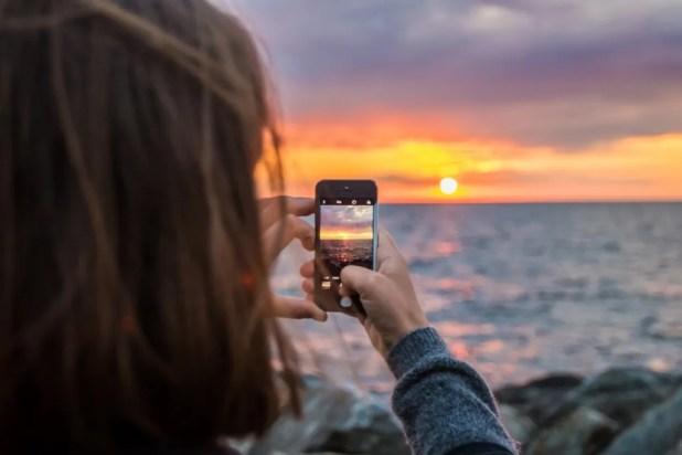 Mange unge oplever det som stressende at planlægge en ferie. (Arkivfoto)