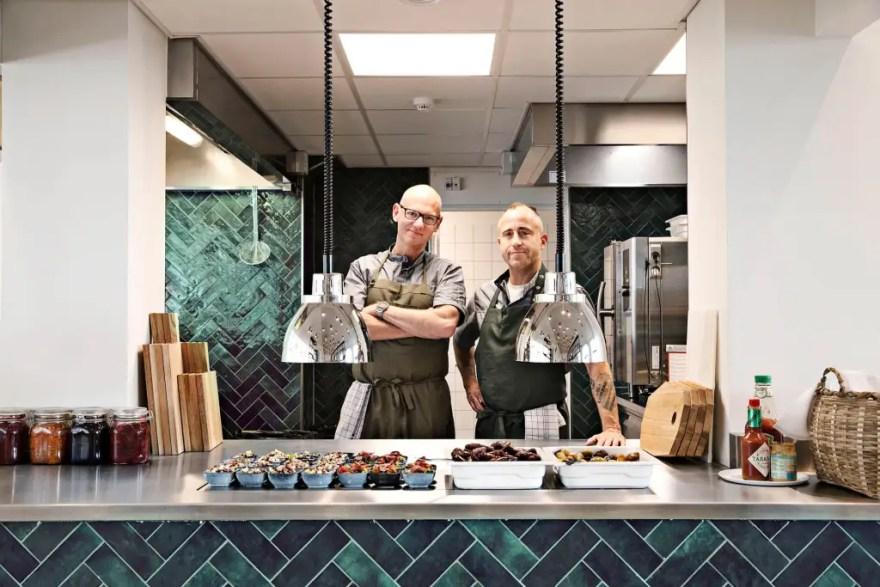 Hotel Kong Arthur har åbnet dørene til deres nye morgenmadsrestaurant. Ifølge hotellet er det verdens første morgenmadsrestaurant med fokus på neurogastronomi.