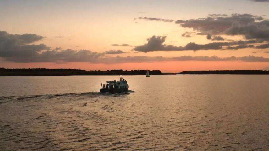 Sejlads på Roskilde Fjord med M/S Svanen. (Foto: VisitFjordlandet)