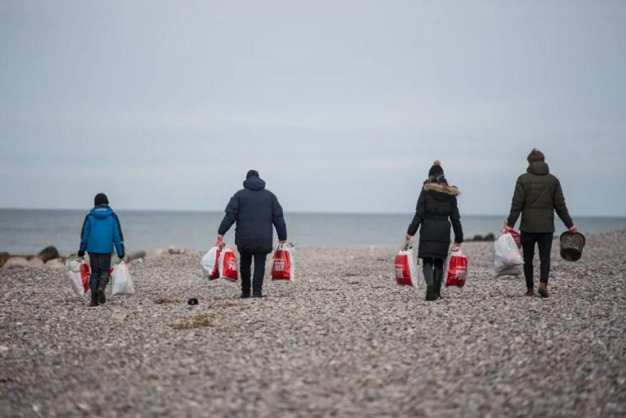 <!-- wp:paragraph --> <p>Søværnets Havmiljøvogterkampagne, der er Danmarks første og største frivillige fællesindsats mod 'havfald', melder således om markant fremgang på alle fronter. </p> <!-- /wp:paragraph -->  <!-- wp:paragraph --> <p>Kampagnen har rundet de 25.000 frivillige medlemmer, og sidste år indsamlede de tilsammen over 500 tons havfald.</p> <!-- /wp:paragraph -->
