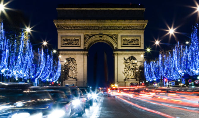 Ciao a tutti e benvenuti in un nuovo video !in questo video vlog andiamo in giro per parigi , prima ai mercatini di natale ai jardin des. Vacanze Di Natale Tra Le Mille Luci Di Parigi