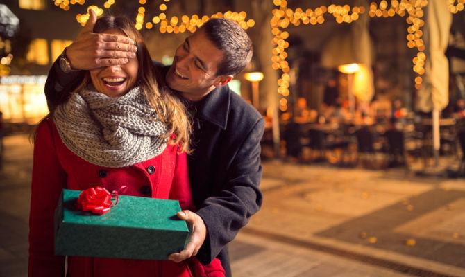 Gli utenti con dispositivo touch possono spostarsi sullo schermo toccandolo o scorrendolo con le dita. Natale In Italia I Luoghi Piu Romantici