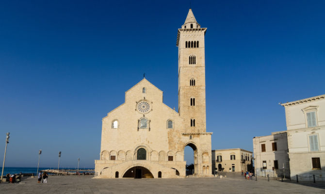 Risultati immagini per trani cattedrale