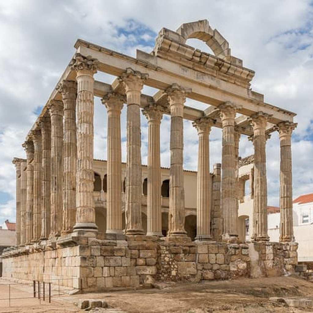 Templo-de-diana-centro-de-interpretacion-palacio-de-los-corbos