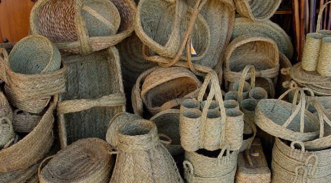 Trabajos artesanos en Cútar