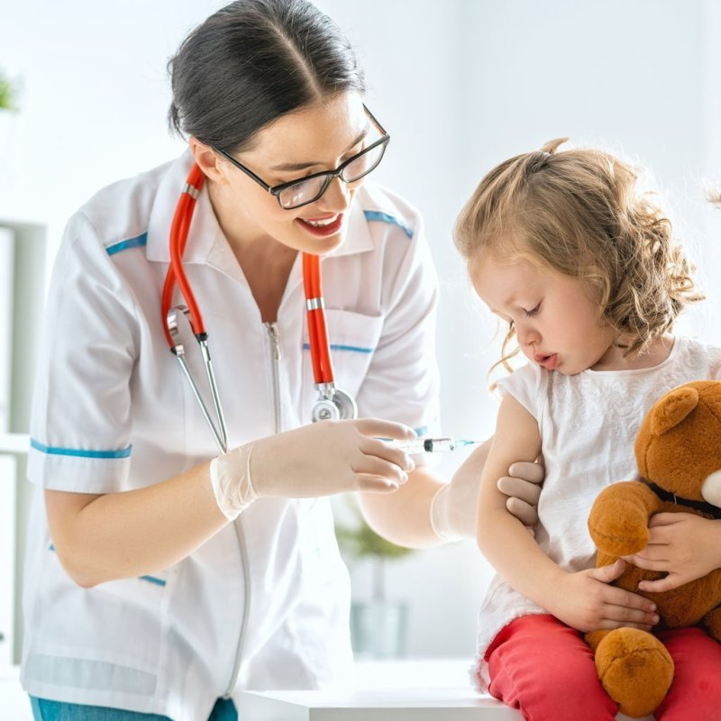 Vaccination To Child L2E9Qrb