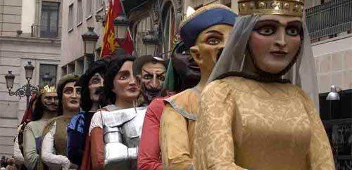 Comparsa de gigantes y cabezudos de Zaragoza 2