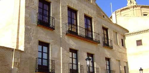 Palacio de los Condes de Bureta a los pies del Moncayo
