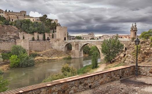 puente de Alcántara en Toledo, turismo de Proximidad