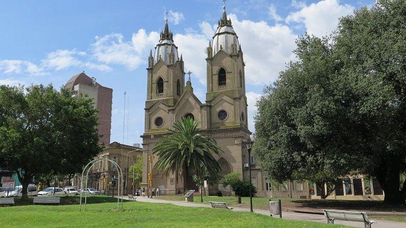 Iglesia San Miguel Arcángel y de todos los Santos