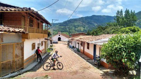 capilla sabaletas turismo religiosoen colombia