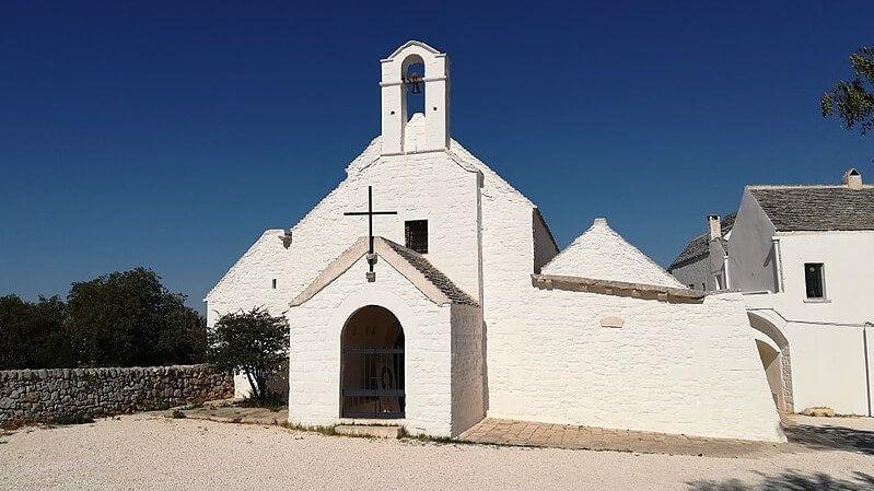 Iglesia de Santa Maria di Barsento turismo religioso