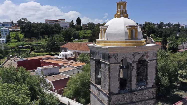 Vista del campanario de la Catedral de Nuestra Señora de la Asunción de Tlaxcala - Patrimonios Mundiales