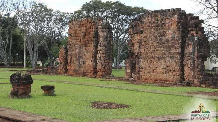 São Nicolau desde donde se partirá al día siguiente. A este municipio lo fundó en 1626 el misionero jesuita Roque González de Santa Cruz Camino de las misiones