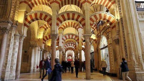 Las mezquitas españolas eran parte integrante de las esferas sociales, políticas y culturales de Al-Andalus. En esta nota recorremos 6 mezquitas de la actualidad