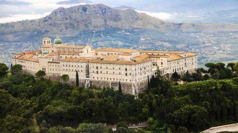 Las abadías italianas más bellas para visitar en otoño