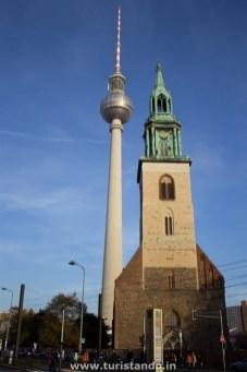 %name Passeando pela Unter den Linden em Berlim