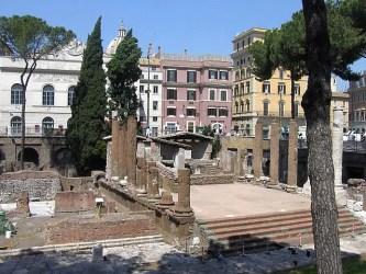 Roma Largo di Torre Argentina 353x265 35 atrações para você visitar na parte central de Roma (Roma Barroca)