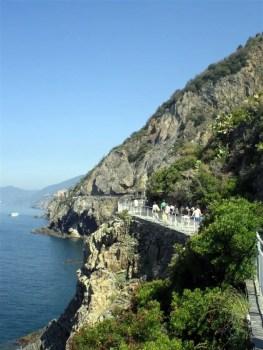 "Cinque Terre 21giu08 1 x 2 Riomaggiore La via dell amore 16 263x350 Top5: 5 destinos para curtir o verão: ""Cinque Terre"" na Itália"