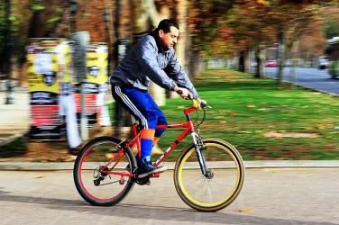 cyclist 942796 640 376x250 Super guia Chile: O que fazer de graça em Santiago