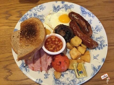 Café da manhã completo no Garfunkels