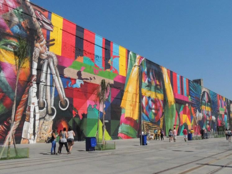 Street Art do artista Kobra na Praça Mauá - Rio de Janeiro
