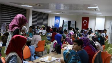 Photo of هيئة إغاثة تركية تقيم مأدبة إفطار لـ 100 يتيم وأسرهم بولاية هطاي