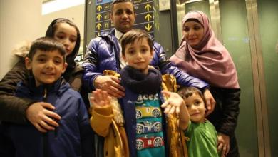 Photo of الهلال الأحمر التركي يجمع بين طفل أفغاني وأسرته بعد عامين من الفراق