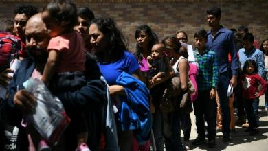 Photo of قرار جديد لإدارة ترامب.. لا جنسية أو إقامة دائمة للمهاجرين الفقراء