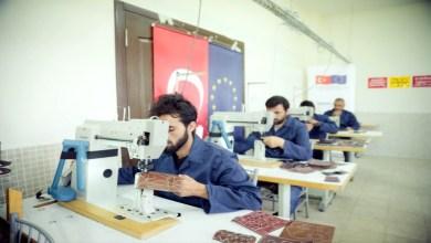 Photo of جامعة تركية توفر فرص العمل لعشرات اللاجئين السوريين