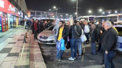 Photo of إصابة 3 أشخاص في اعتداء مسلح على محطة باصات 15 تمور في اسطنبول