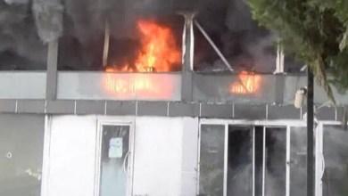 Photo of تركي هدد رجال الاطفاء و أحرق مكان عمله في بيلكدوزو غرب إسطنبول