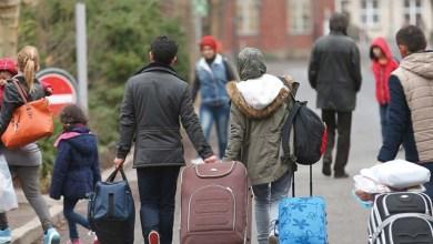 Photo of بريطانيا تستأنف ترحيل المهاجرين طالبي اللجوء لخارج المملكة المتحدة