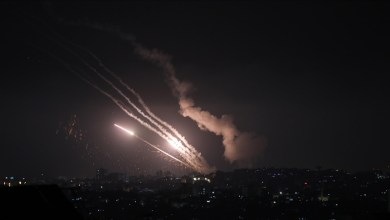 Photo of إطلاق نحو 150 صاروخا من غزة تجاه إسرائيل مساء الإثنين