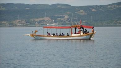 Photo of معظمهم عرب.. السياح يستمتعون بجمال بحيرة صبانجا التركية