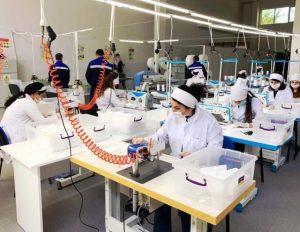Peşə təhsil müəssisəsində tibbi maska istehsalı