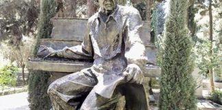Xalq artisti Arif Məlikovun məzarı üstündə abidəsi