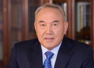 Qazaxıstanın ilk Prezidenti Nursultan Nazarbayev