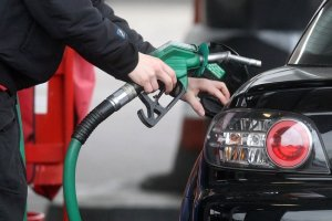 Aİ-92 markalı avtomobil benzini